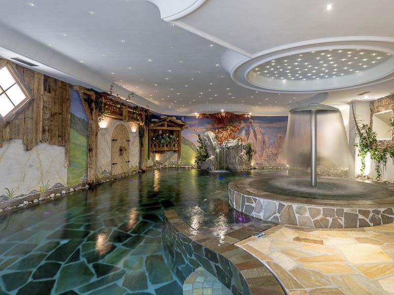 Hotel andalo 4 stelle con centro benessere e servizi family for Hotel 4 stelle barcellona centro